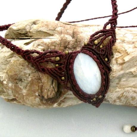 collar piedra luna morado